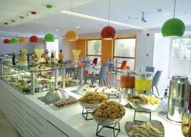 dubaj-hotel-hawthorn-suites-by-wyndham-jbr-hotel-006.jpg