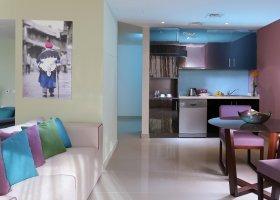dubaj-hotel-hawthorn-suites-by-wyndham-jbr-hotel-031.jpg