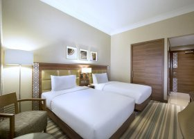 dubaj-hotel-hilton-garden-inn-al-mina-011.jpg