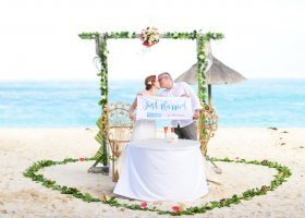 just-married-006.jpg