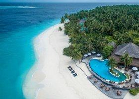 maledivy-hotel-filitheyo-island-resort-001.jpg