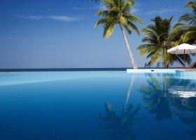 maledivy-hotel-filitheyo-island-resort-024.jpg