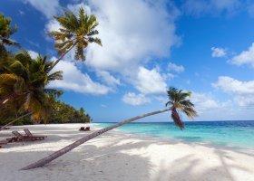 maledivy-hotel-filitheyo-island-resort-036.jpg