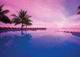 maledivy-hotel-filitheyo-island-resort-054.jpg