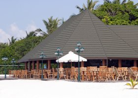 maledivy-hotel-holiday-island-004.jpg
