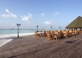 maledivy-hotel-holiday-island-005.jpg