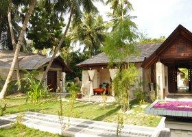 maledivy-hotel-holiday-island-007.jpg