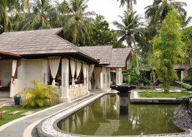 maledivy-hotel-holiday-island-010.jpg