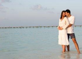 maledivy-hotel-holiday-island-020.jpg