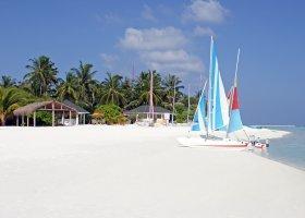 maledivy-hotel-holiday-island-024.jpg