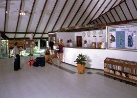 maledivy-hotel-holiday-island-025.jpg