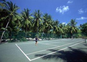 maledivy-hotel-holiday-island-030.jpg