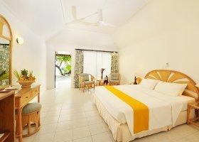 maledivy-hotel-holiday-island-042.jpg