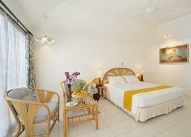 maledivy-hotel-holiday-island-046.jpg