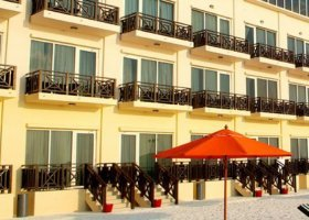 maledivy-hotel-hulhule-island-hotel-002.jpg