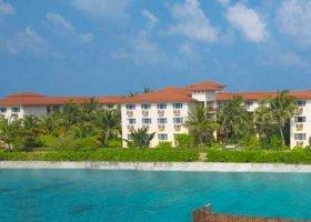 maledivy-hotel-hulhule-island-hotel-006.jpg