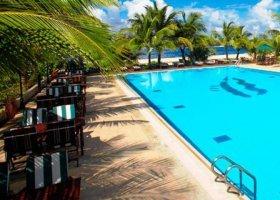 maledivy-hotel-hulhule-island-hotel-007.jpg