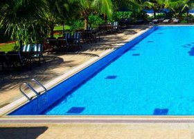 maledivy-hotel-hulhule-island-hotel-010.jpg