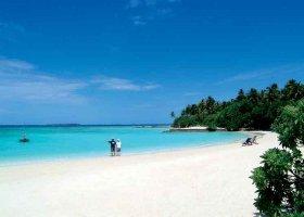 maledivy-hotel-makunudu-island-009.jpg