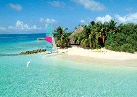 maledivy-hotel-makunudu-island-050.jpg