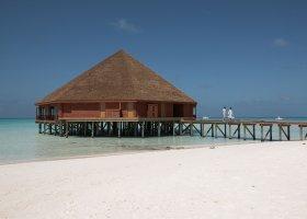maledivy-hotel-meeru-island-resort-008.jpg