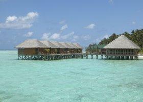 maledivy-hotel-meeru-island-resort-011.jpg