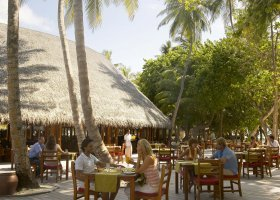 maledivy-hotel-meeru-island-resort-012.jpg