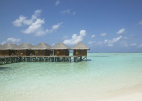 maledivy-hotel-meeru-island-resort-016.jpg