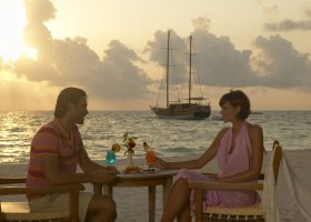 maledivy-hotel-meeru-island-resort-021.jpg