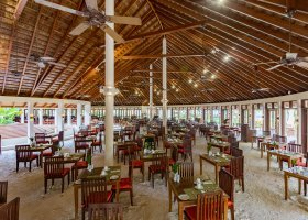 maledivy-hotel-meeru-island-resort-049.jpg