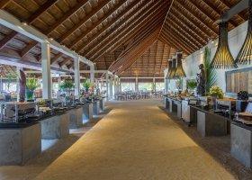 maledivy-hotel-meeru-island-resort-050.jpg