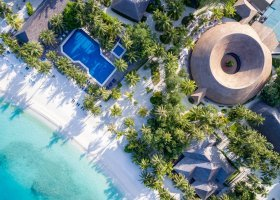 maledivy-hotel-meeru-island-resort-055.jpg