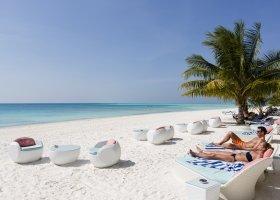 maledivy-hotel-meeru-island-resort-069.jpeg