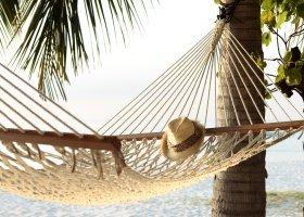 maledivy-hotel-meeru-island-resort-077.jpg