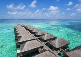 maledivy-hotel-meeru-island-resort-095.jpg