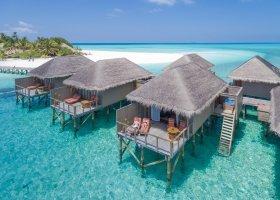 maledivy-hotel-meeru-island-resort-102.jpg