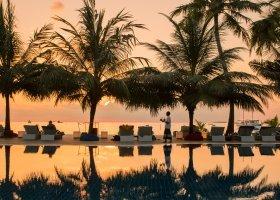 maledivy-hotel-meeru-island-resort-127.jpg