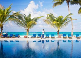 maledivy-hotel-meeru-island-resort-128.jpg