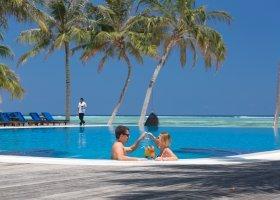 maledivy-hotel-meeru-island-resort-131.jpg