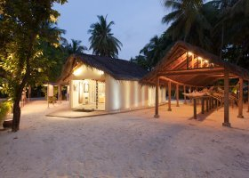 maledivy-hotel-meeru-island-resort-167.jpg
