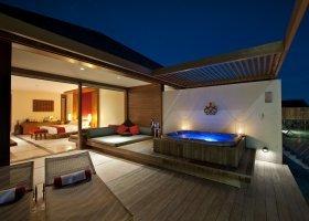 maledivy-hotel-paradise-island-resort-007.jpg