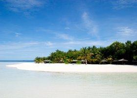 maledivy-hotel-ranveli-island-resort-002.jpg