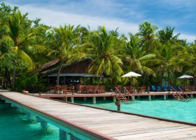 maledivy-hotel-ranveli-island-resort-006.jpg