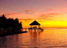 maledivy-hotel-ranveli-island-resort-015.jpg