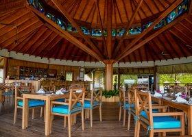 maledivy-hotel-reethi-faru-resort-025.jpg