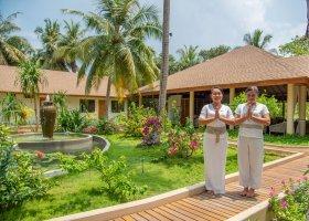 maledivy-hotel-reethi-faru-resort-037.jpg