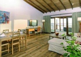 maledivy-hotel-reethi-faru-resort-065.jpg