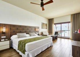 maledivy-hotel-riu-atoll-019.jpg