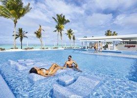 maledivy-hotel-riu-atoll-044.jpg