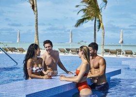 maledivy-hotel-riu-atoll-046.jpg